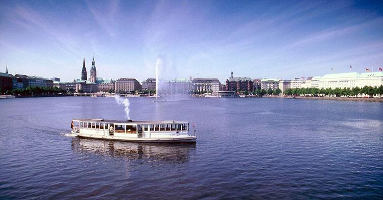Hamburg-Alsterrundfahrt-Sommer